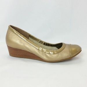 Cole Haan Wedge 7.5 B Gold Leather Wedges S6-18